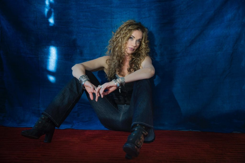 photo of blues/soul singer Dana Fuchs