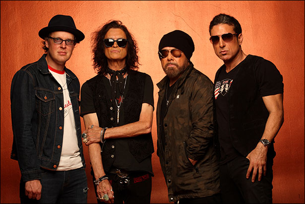 Photo of Black Country Communion by Neil Zlozower