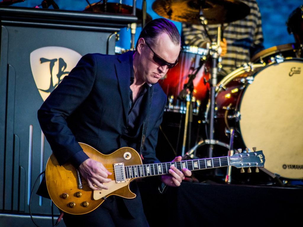 photo of Joe Bonamassa by Laurence Harvey at Hampton Court Palace, London 2018