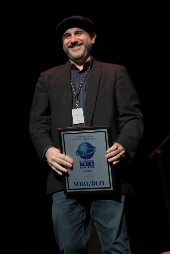 Jon Shain winner of solo act at the IBC Memphis 2019 - photo by Laura Carbone