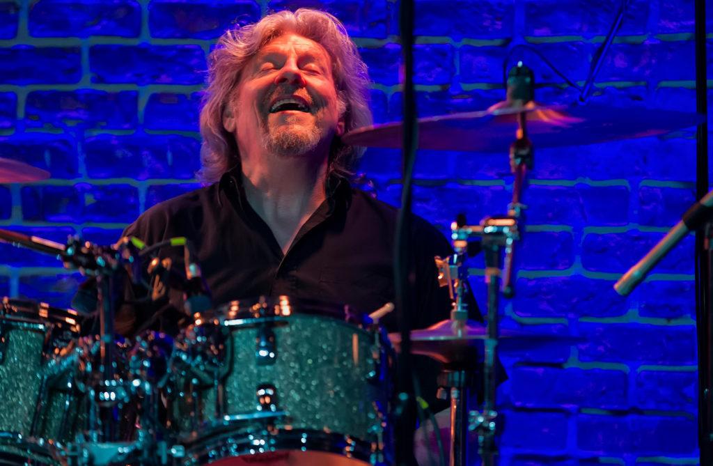 image of drummer Ted McKenna by Arnie Goodman
