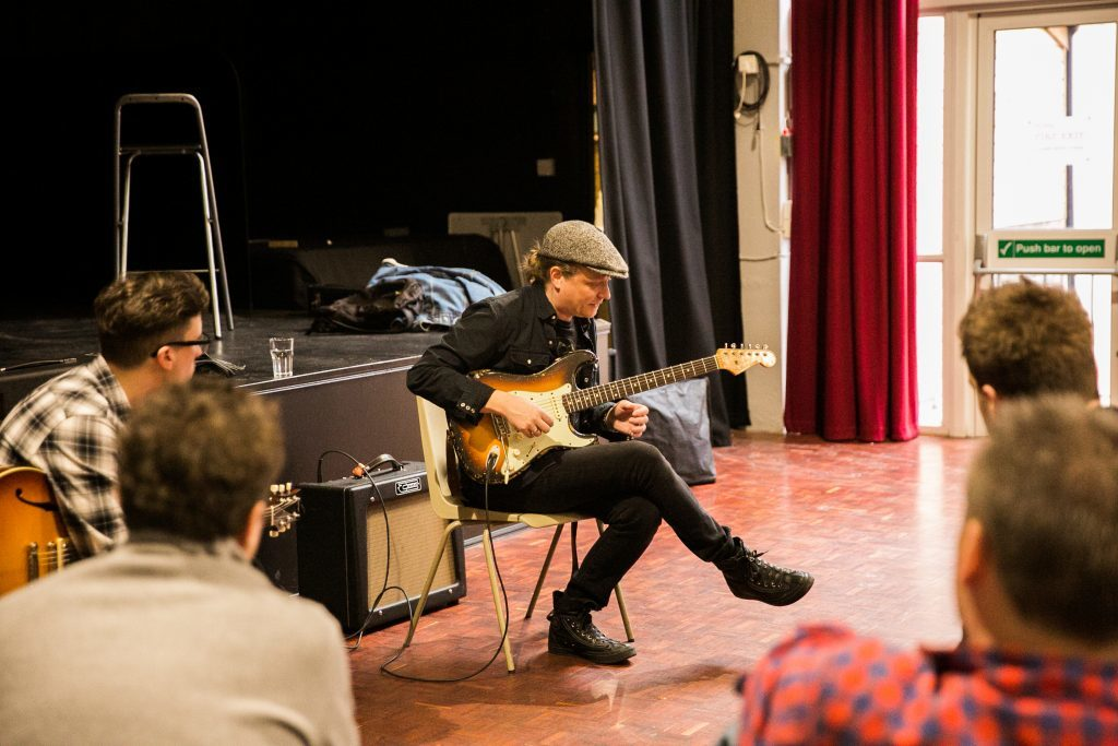 image of Matt Schofield workshop at Bristol Folk House – 2018