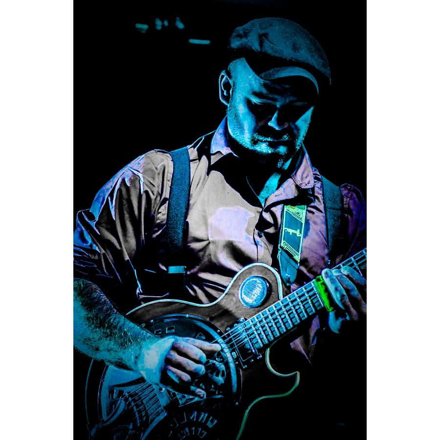 image of scottish blues artist iain donald