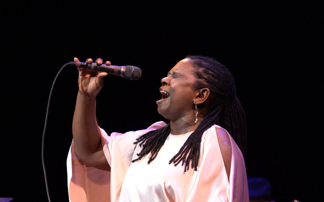 RUTHIE FOSTER Live At The Paramount – Interview & Review