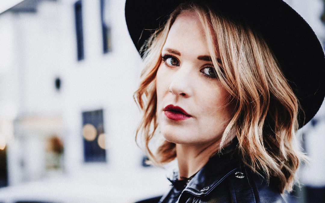 INTERVIEW – Sitting in… with Elles Bailey