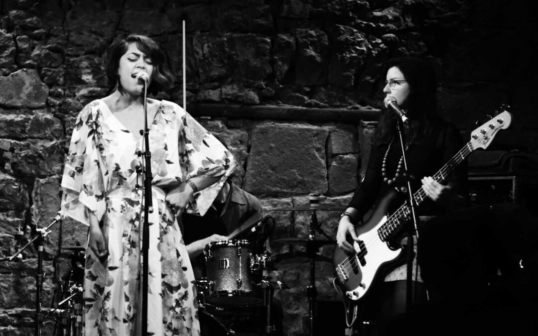 GIG REVIEW: NICOLE CASSANDRA SMIT   and REDFISH BLUES BAND